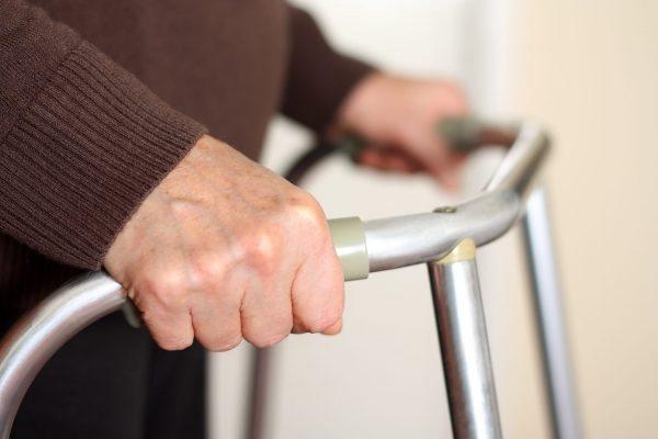 mobilité réduite-marchette